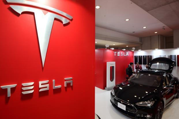 Тесла се присъединява към вълната от иновации в лизинга